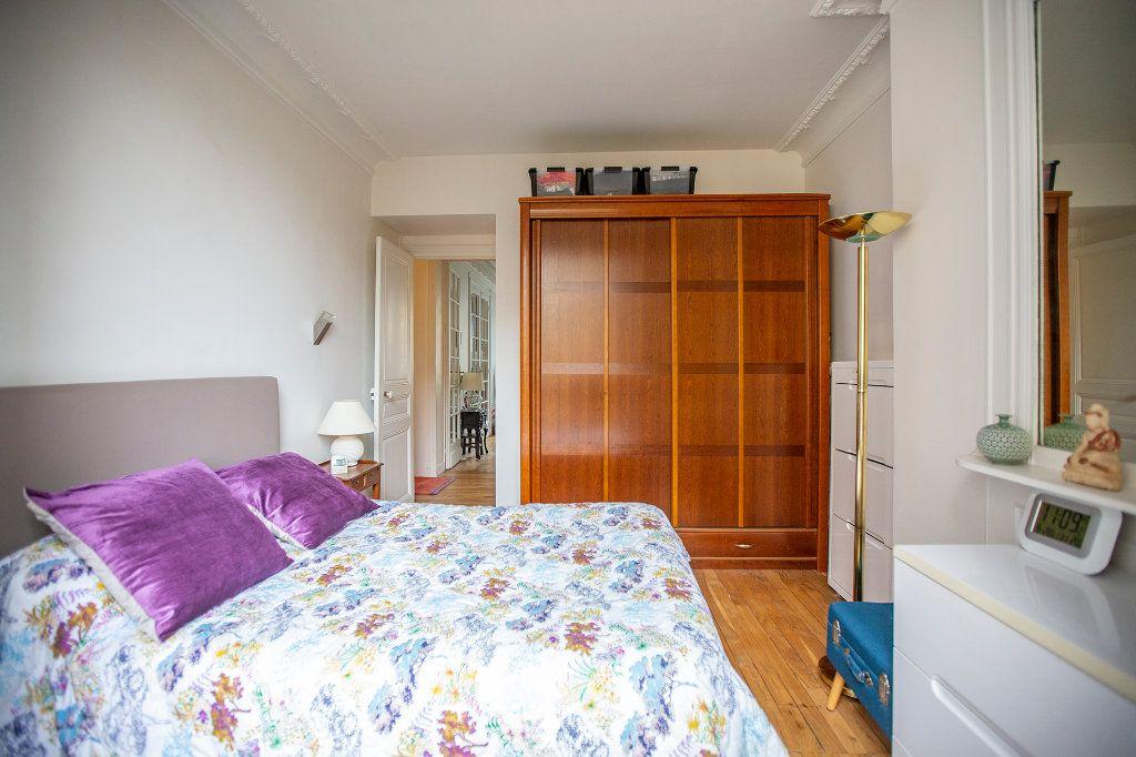 Appartement à vendre 3 67.68m2 à Paris 13 vignette-10