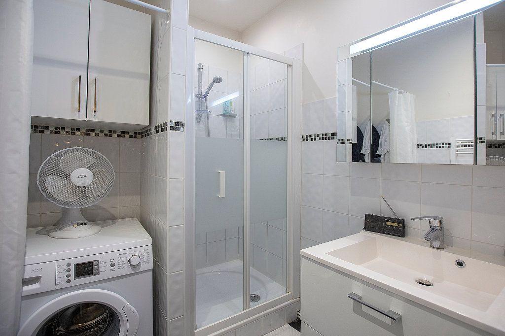 Appartement à vendre 3 67.68m2 à Paris 13 vignette-11