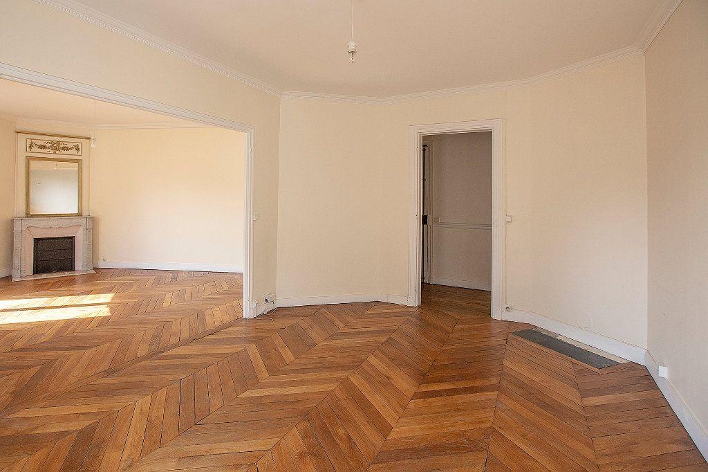 Appartement à vendre 3 60.12m2 à Paris 13 vignette-3