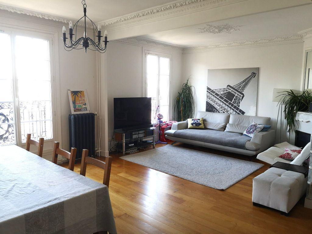 Appartement à louer 3 74.84m2 à Paris 13 vignette-1