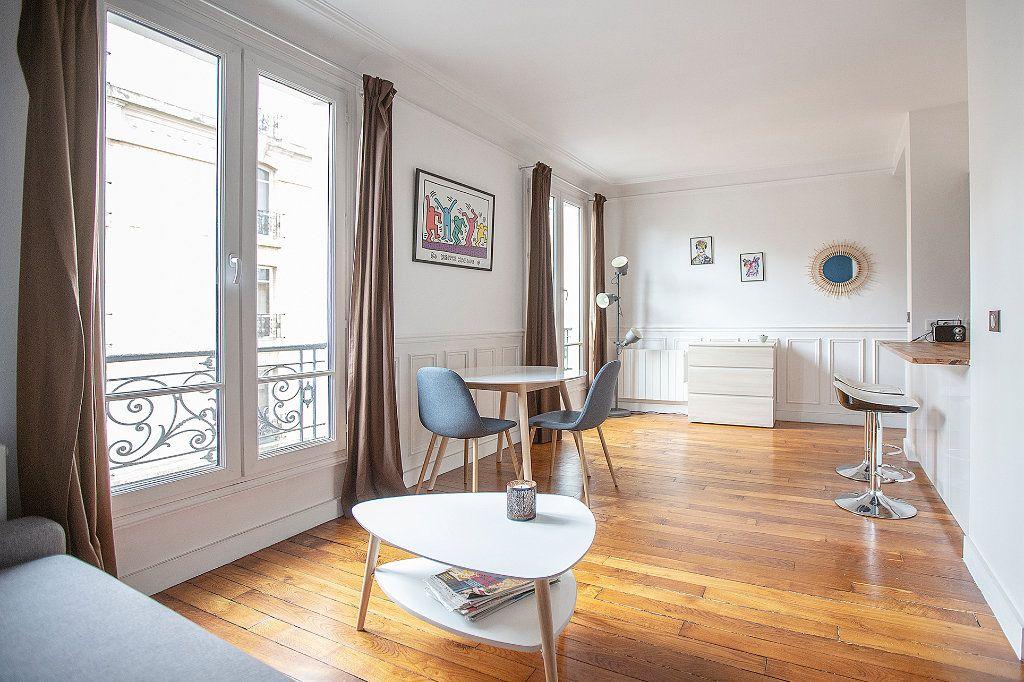 Appartement à louer 2 33.68m2 à Paris 13 vignette-2