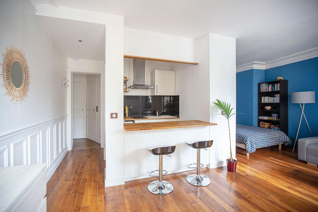 Appartement à louer 2 33.68m2 à Paris 13 vignette-4