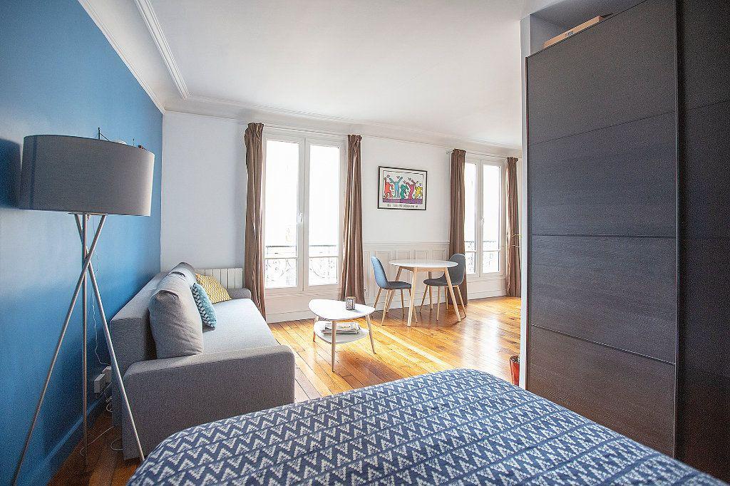 Appartement à louer 2 33.68m2 à Paris 13 vignette-9