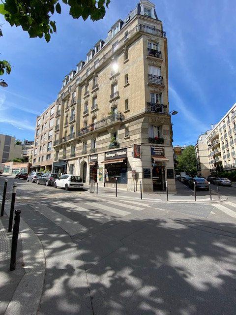 Appartement à louer 2 52.77m2 à Paris 13 vignette-1
