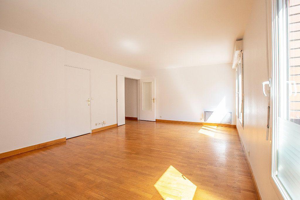 Appartement à vendre 2 56.63m2 à Paris 15 vignette-3