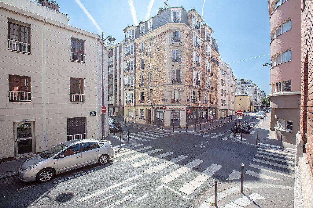 Appartement à vendre 2 56.63m2 à Paris 15 vignette-6