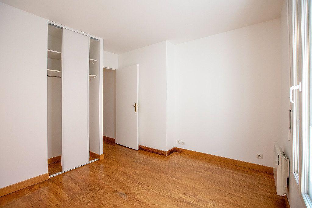 Appartement à vendre 2 56.63m2 à Paris 15 vignette-10