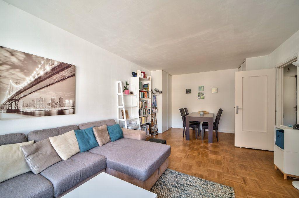 Appartement à vendre 2 49.5m2 à Paris 13 vignette-3