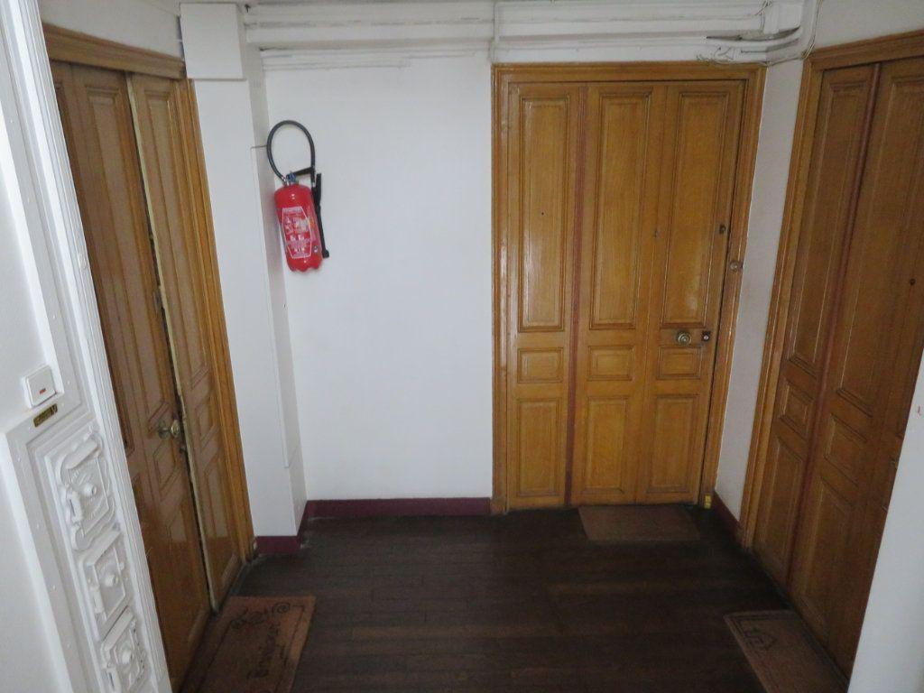 Appartement à vendre 3 38m2 à Paris 13 vignette-3