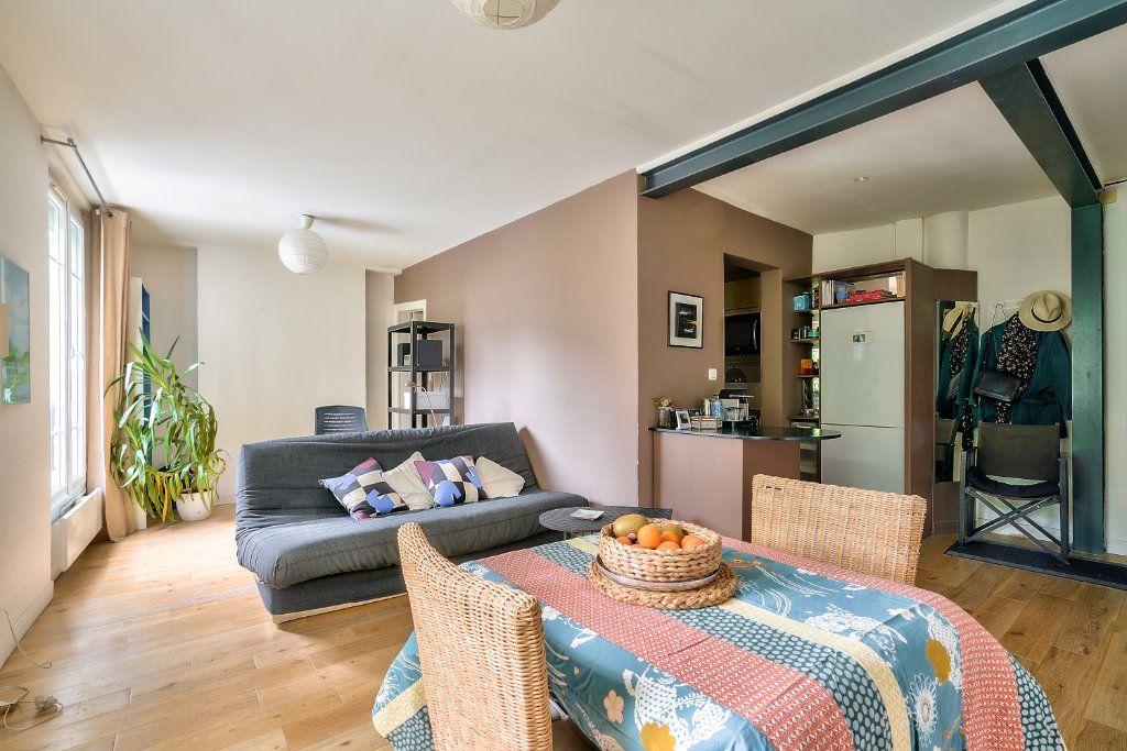 Appartement à vendre 2 33.9m2 à Paris 13 vignette-2
