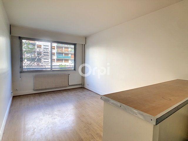 Appartement à louer 1 24.4m2 à Paris 15 vignette-1