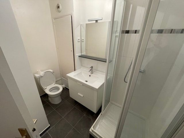 Appartement à louer 1 24.4m2 à Paris 15 vignette-3