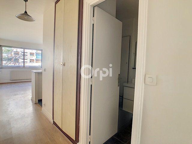 Appartement à louer 1 24.4m2 à Paris 15 vignette-6