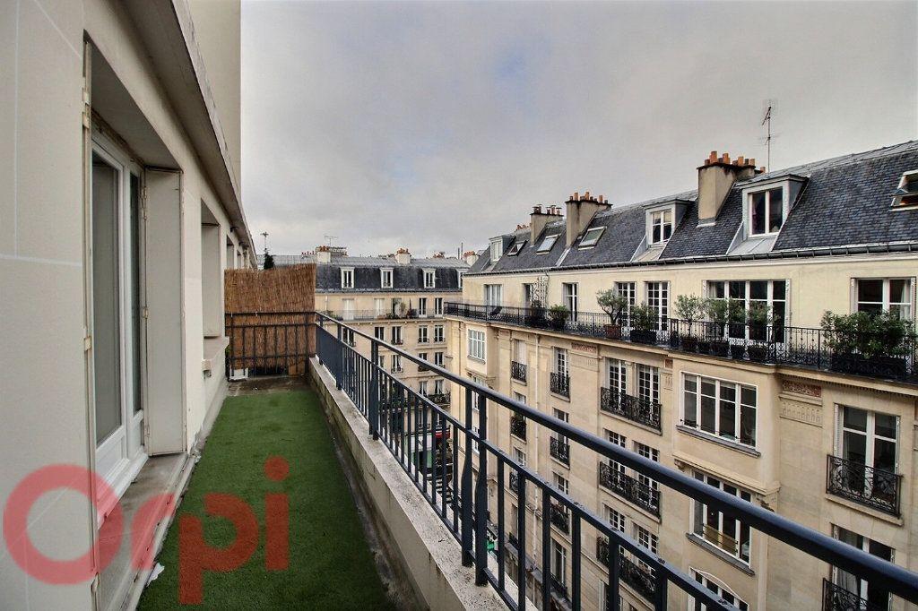 Appartement à louer 3 55m2 à Paris 6 vignette-1