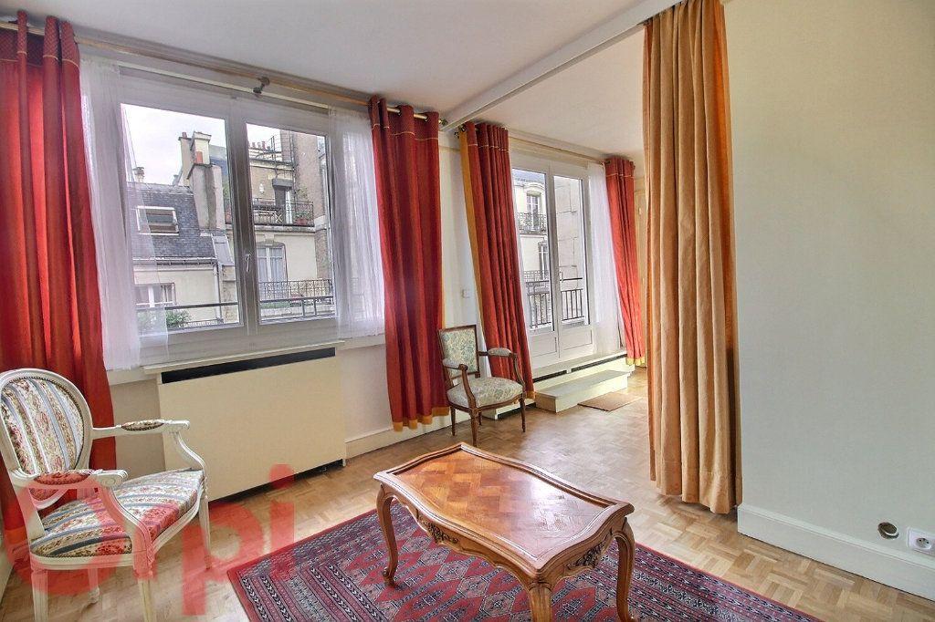 Appartement à louer 3 55m2 à Paris 6 vignette-2