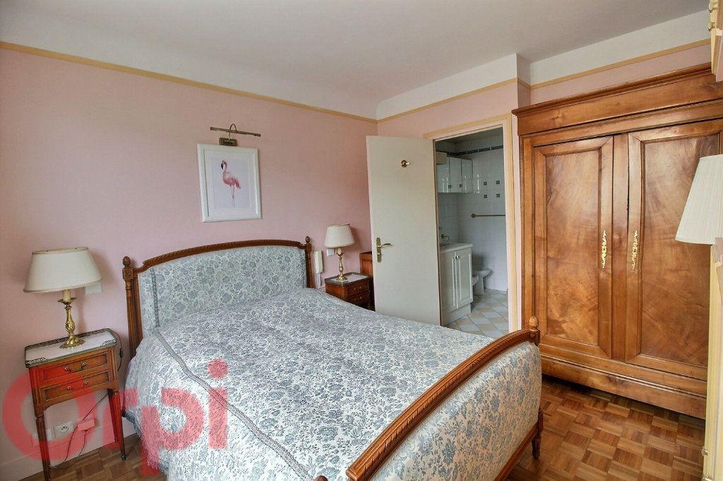 Appartement à louer 3 55m2 à Paris 6 vignette-7