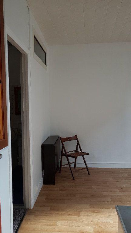 Appartement à louer 1 16.65m2 à Cachan vignette-9