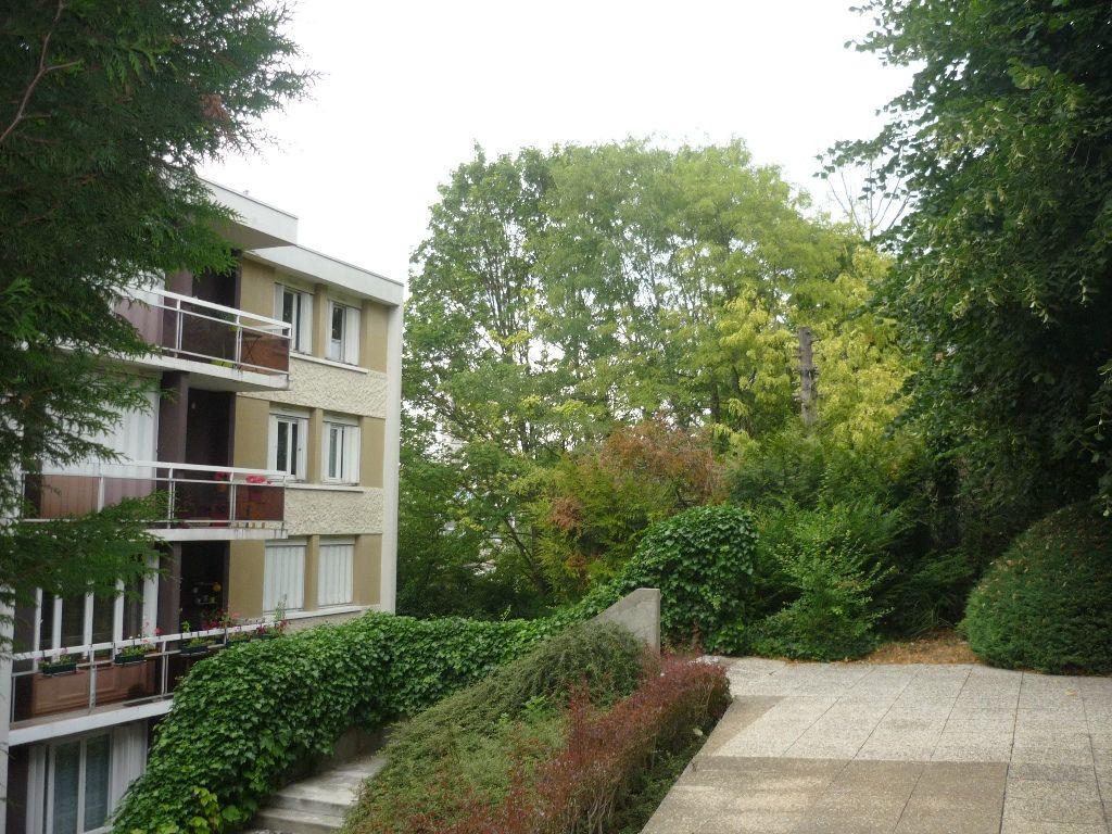 Appartement à louer 1 27.07m2 à Cachan vignette-2