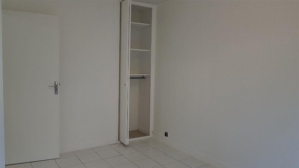 Appartement à louer 1 27.07m2 à Cachan vignette-6