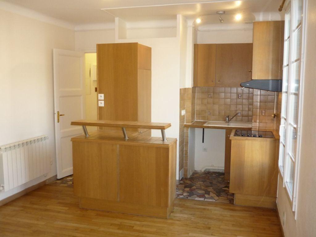 Appartement à louer 2 29.82m2 à L'Haÿ-les-Roses vignette-1