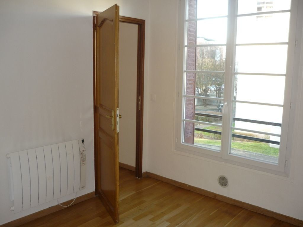 Appartement à louer 2 29.82m2 à L'Haÿ-les-Roses vignette-3