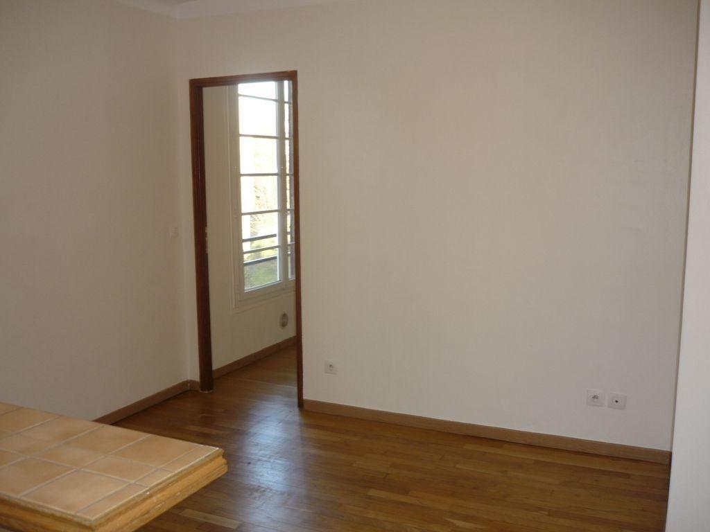 Appartement à louer 2 29.82m2 à L'Haÿ-les-Roses vignette-4