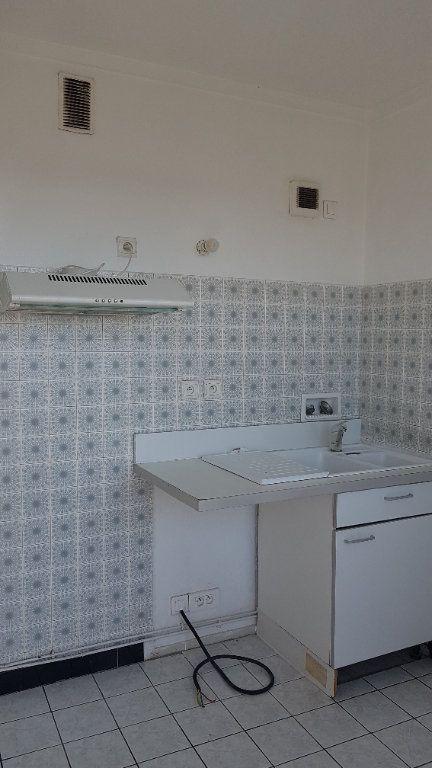 Appartement à louer 4 72.41m2 à Fresnes vignette-8
