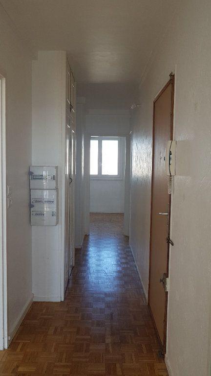 Appartement à louer 4 72.41m2 à Fresnes vignette-10