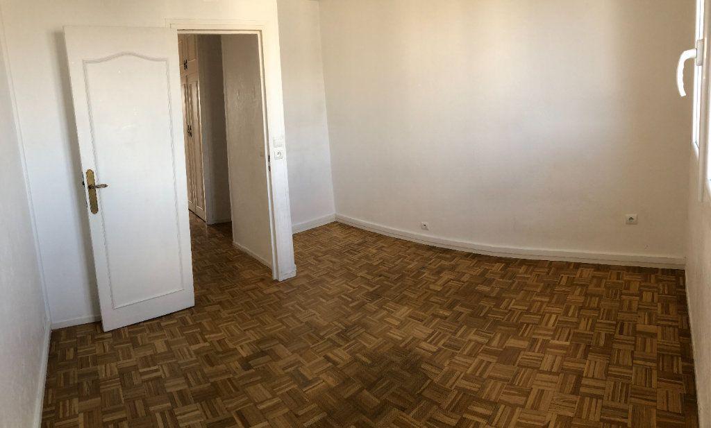 Appartement à louer 4 72.41m2 à Fresnes vignette-11