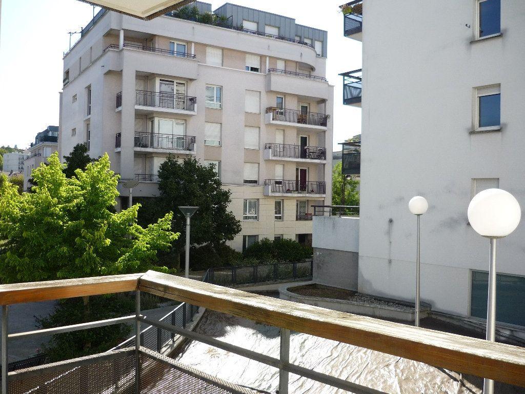 Appartement à louer 2 46.4m2 à Cachan vignette-2