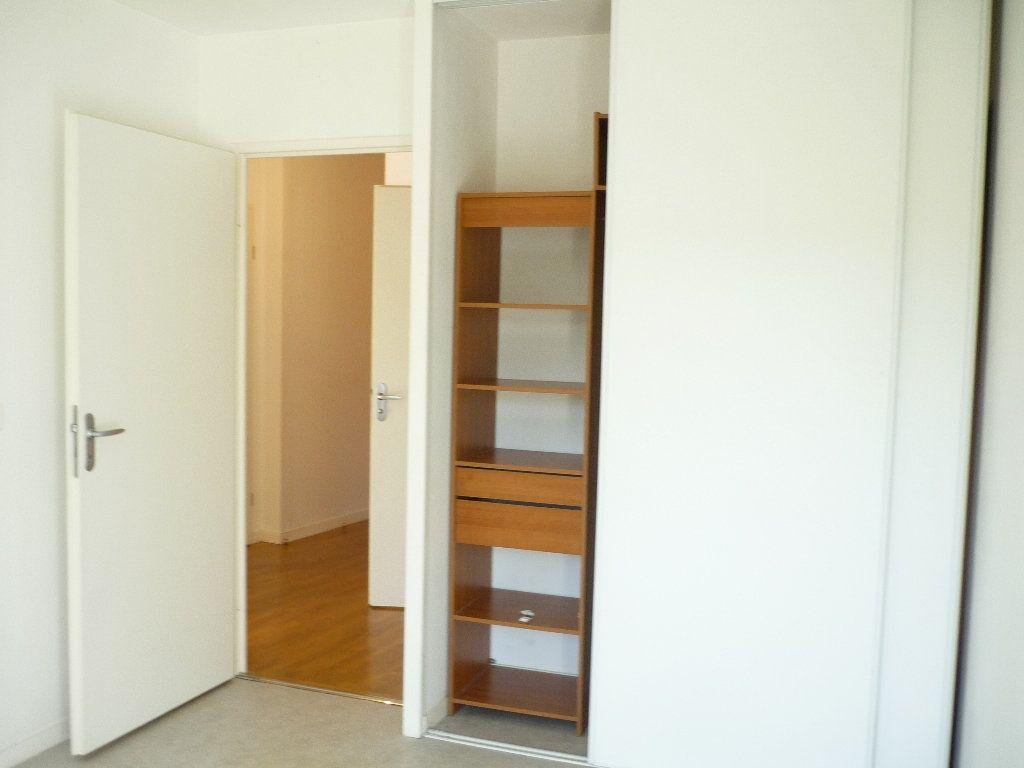 Appartement à louer 2 46.4m2 à Cachan vignette-3