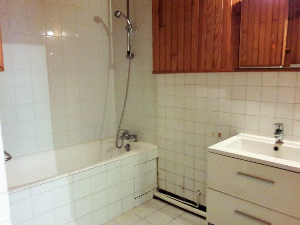 Appartement à louer 2 48.84m2 à Issy-les-Moulineaux vignette-6