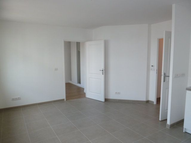 Appartement à louer 2 38.79m2 à Issy-les-Moulineaux vignette-1