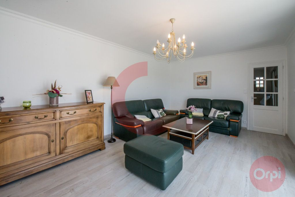 Maison à vendre 5 129.72m2 à Challans vignette-7