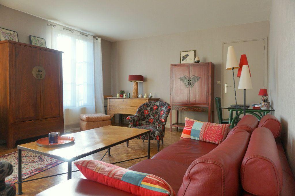 Appartement à vendre 5 104m2 à Versailles vignette-1