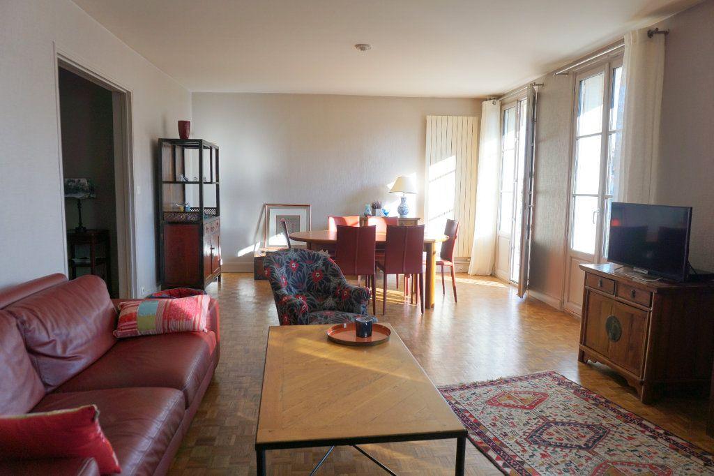 Appartement à vendre 5 104m2 à Versailles vignette-2