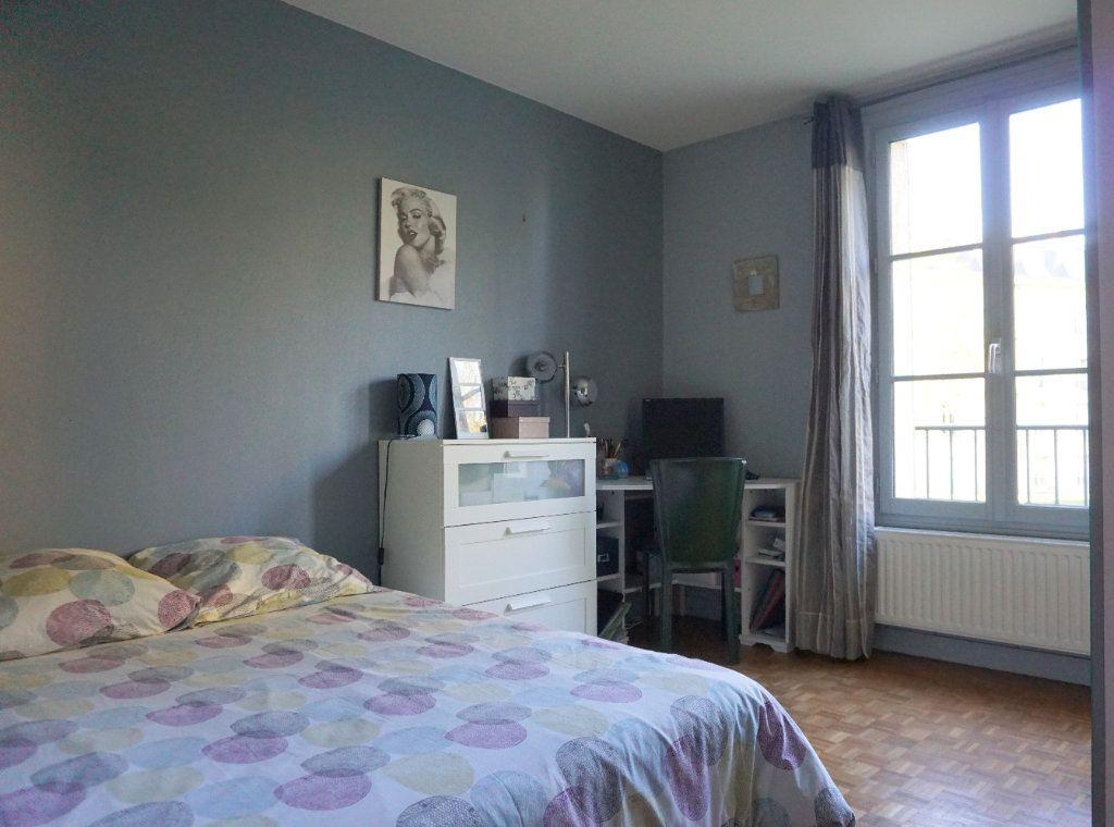 Appartement à vendre 5 104m2 à Versailles vignette-8
