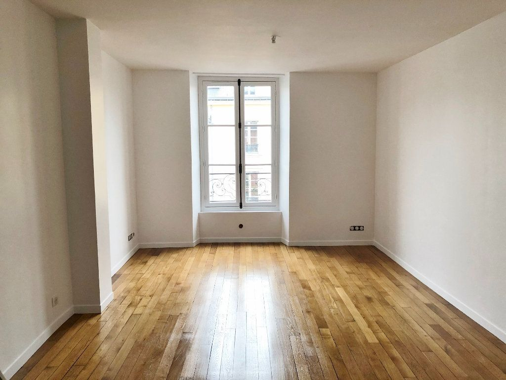 Appartement à louer 2 46.27m2 à Versailles vignette-1