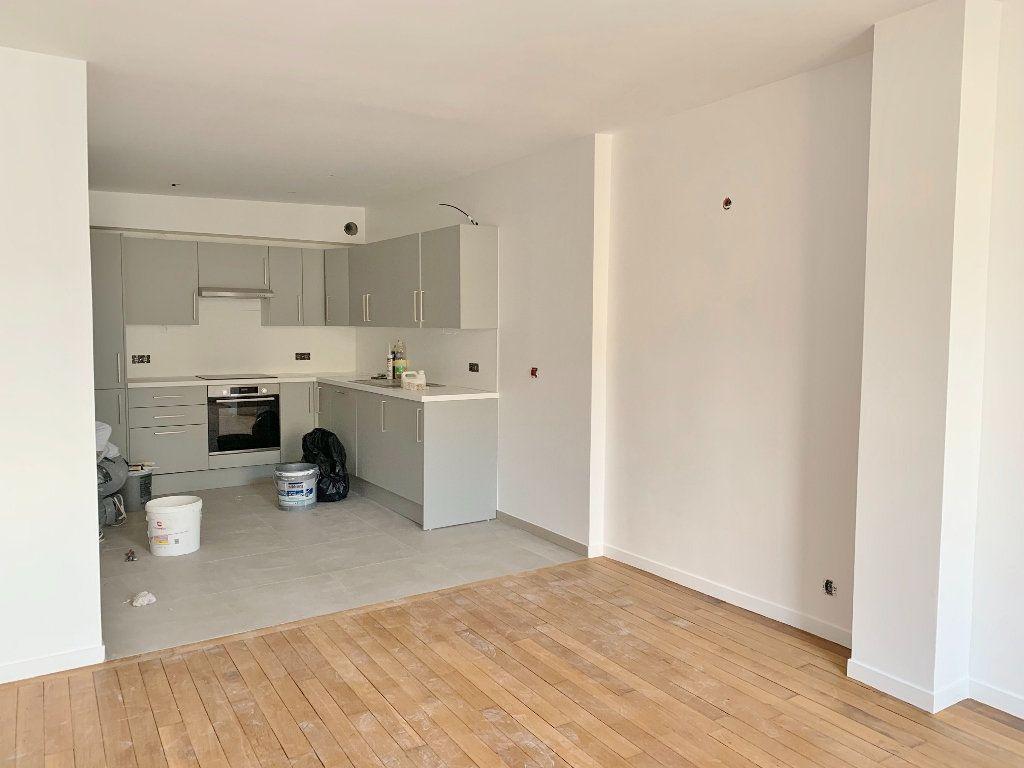 Appartement à louer 2 46.27m2 à Versailles vignette-2