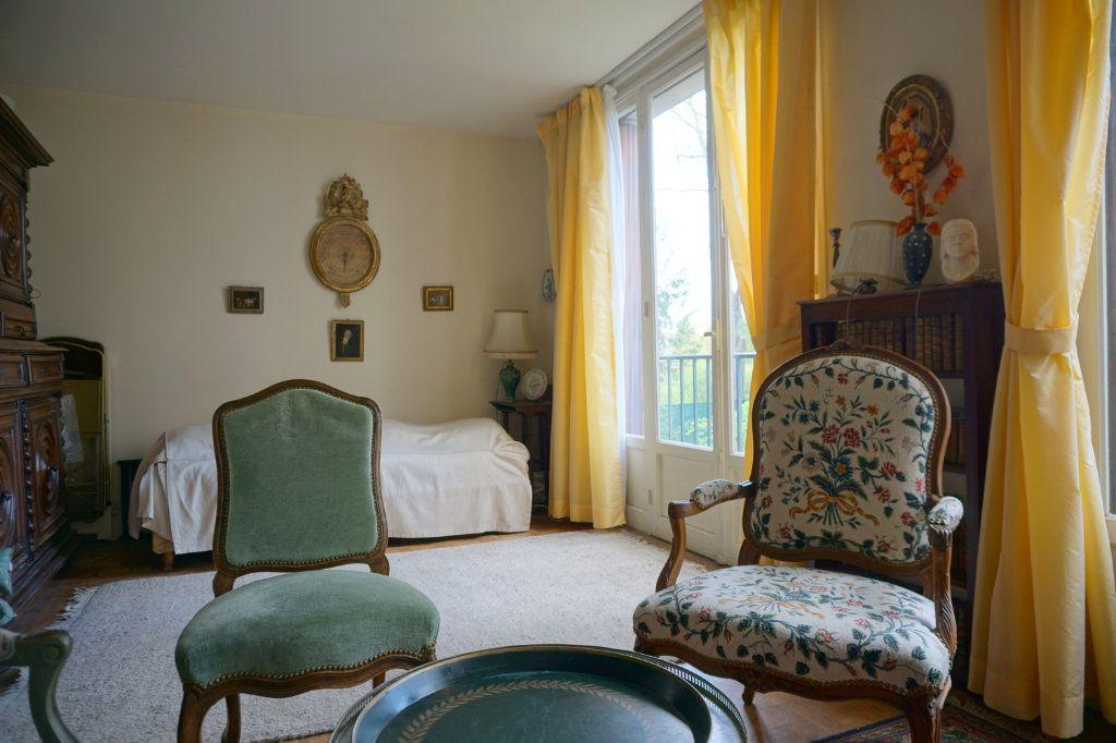Appartement à vendre 3 52.88m2 à Versailles vignette-3
