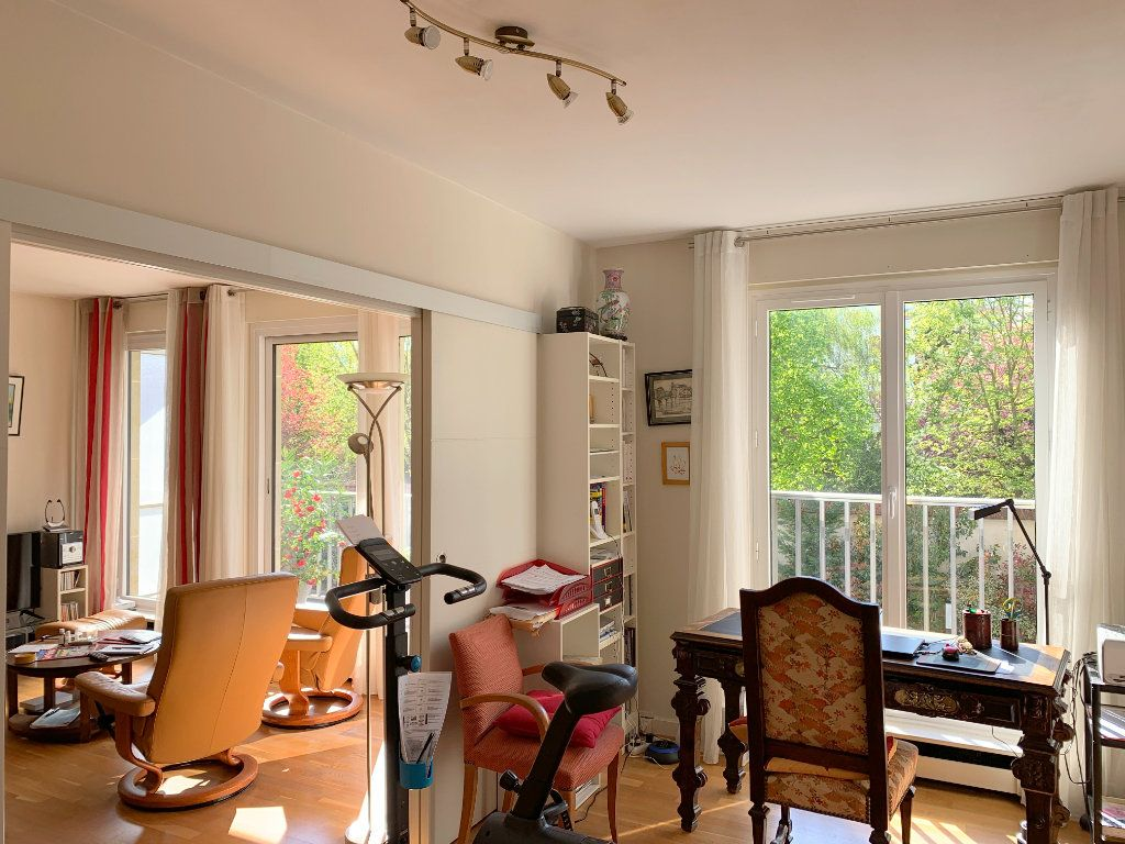 Appartement à vendre 3 72m2 à Versailles vignette-3