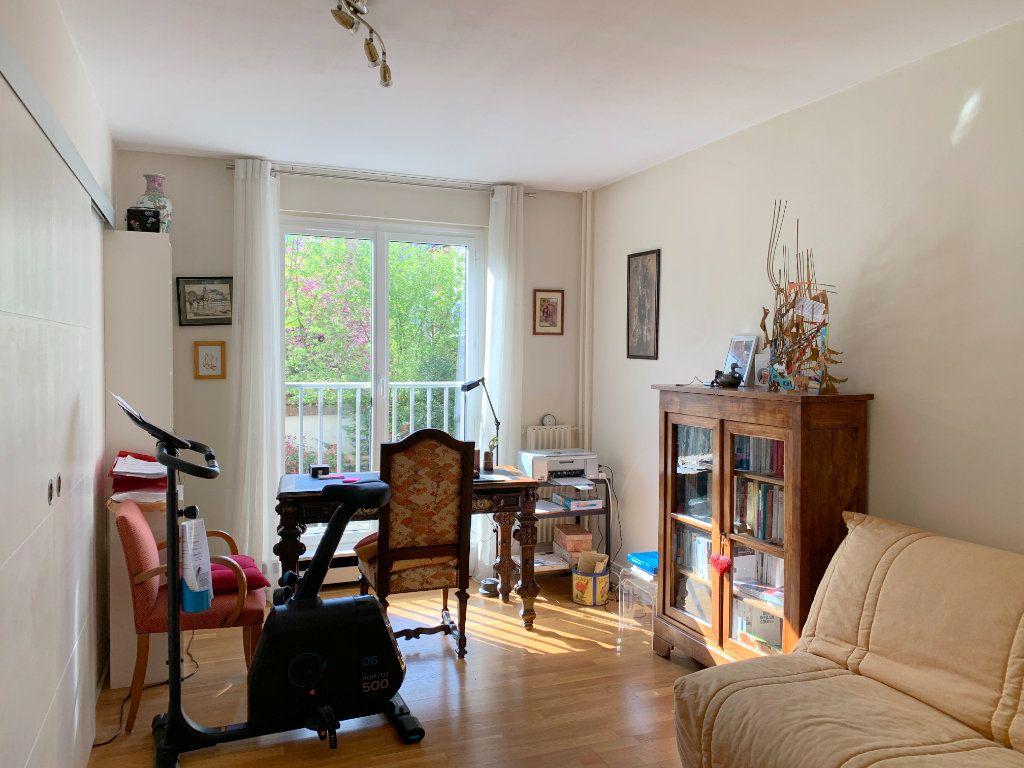Appartement à vendre 3 72m2 à Versailles vignette-4