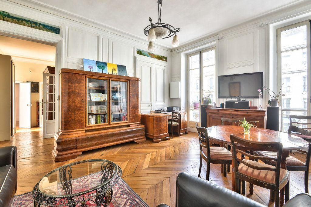 Appartement à vendre 4 100m2 à Versailles vignette-2