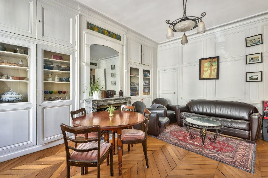Appartement à vendre 4 100m2 à Versailles vignette-3