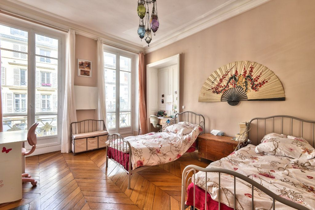 Appartement à vendre 4 100m2 à Versailles vignette-8