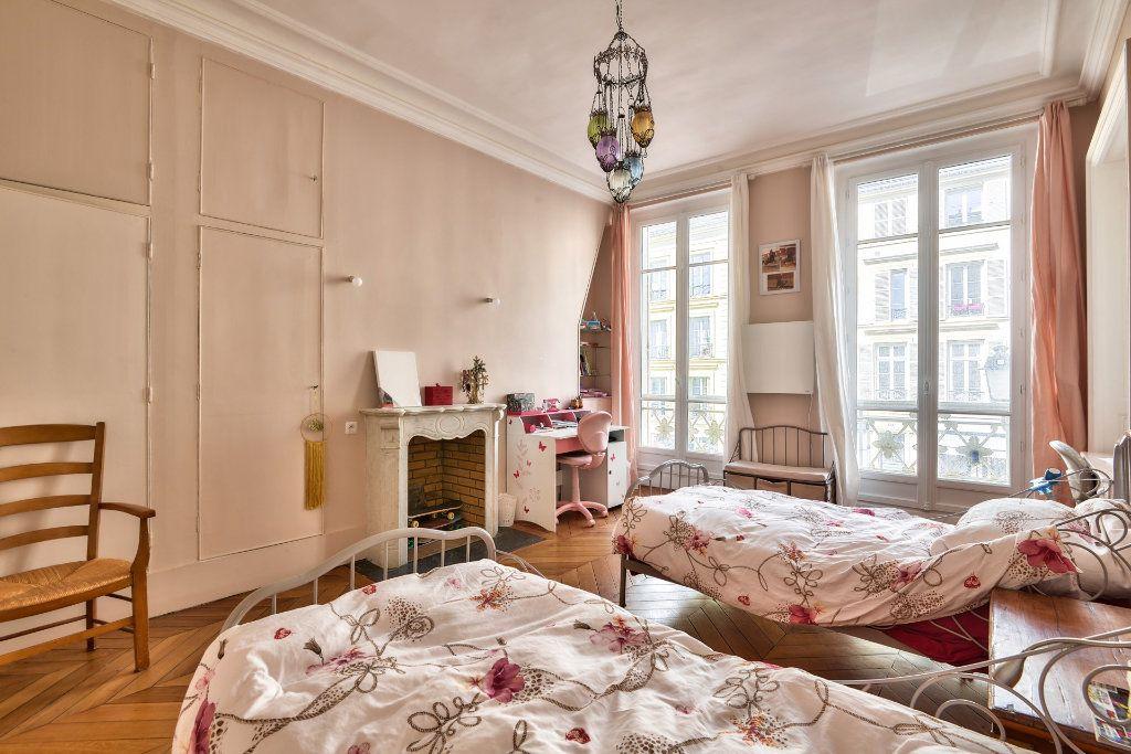 Appartement à vendre 4 100m2 à Versailles vignette-9
