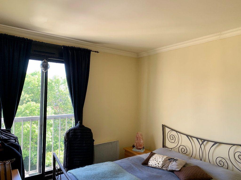 Appartement à vendre 2 57.53m2 à Versailles vignette-4