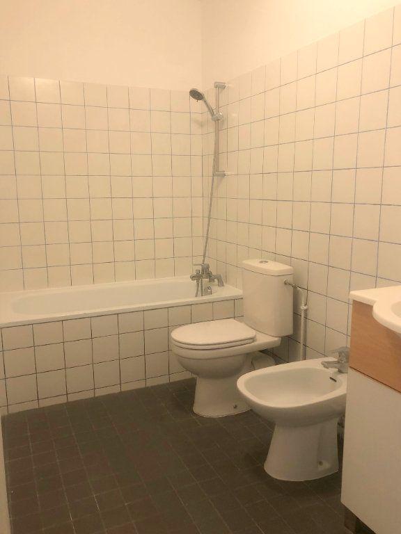 Appartement à louer 1 26.8m2 à Le Chesnay vignette-4