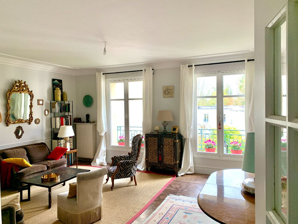 Appartement à vendre 4 90.45m2 à Versailles vignette-1