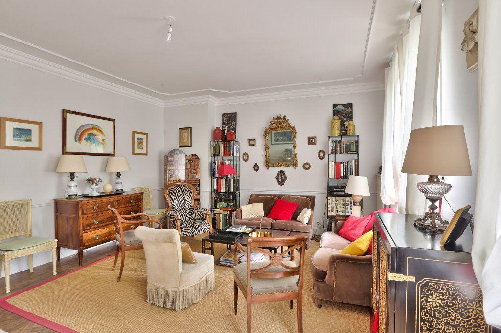 Appartement à vendre 4 90.45m2 à Versailles vignette-4
